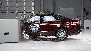 2013 Ford Fusion small overlap IIHS crash test