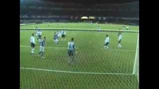 Blog do Raposão Demolidor: http://raposaodemolidor.blogspot.com/CRUZEIRO 4 X 1 VASCOMotivo: 19ª Rodada do Campeonato BrasileiroData: 16/7/2003Local: Estádio Mineirão, em Belo Horizonte (MG)Público: 13.207 pagantesRenda: R$ 112.597,00Árbitro: Paulo Cesar de Oliveira (FIFA SP)Gols: Deivid, aos 10 min, e Edu Dracena, aos 18 min do primeiro tempo. Deivid, aos 5 e aos 23 min, Rodrigo Souto, aos 11 min do segundo tempo.CruzeiroArtur, Maurinho, Edu Dracena, Cris e Leandro; Recife, Maldonado, Zinho (Márcio) e Alex (Felipe Melo); Deivid e Aristizábal. Técnico: Vanderlei Luxemburgo.VascoFábio, Russo, Fabiano, Wellington Paulo e Wellington Monteiro; Beto (Morais), Rodrigo Souto, Marcelinho e Bruno Lazaroni; Edmundo e Cadu (Donizete).Técnico: Mauro Galvão.Cartões amarelos: Leandro (Cruzeiro). Beto, Bruno Lazaroni, Russo (Vasco)