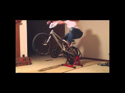 Indoor Manualling on BMX Bike - Day 3 Edit (видео)