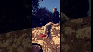 Kinross United Kingdom  city photos gallery : Justin Bieber sitting on a wall in Kinross, Scotland, United Kingdom - October 30, 2016