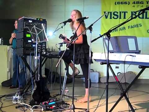 Lucia Comnes 'Lie With You Tonight' acoustic version, Golden Gate Park