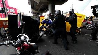 Un enfrentamiento entre militares y delincuentes en plena capital mexicana, en el que murió un supuesto líder narcotraficante, provocó bloqueo de calles y quema de vehículos. La Ciudad de México se había mantenido ajena a este tipo de hechos violentos frecuentes en otros estados.
