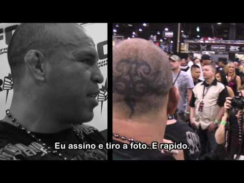 Wanderlei Silva stands up for fans at UFC Expo 2010