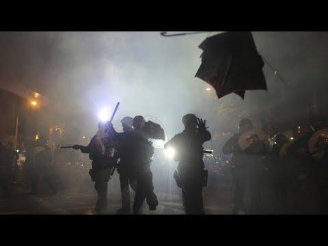 China: Proteste vor Peking-Verbindungsbüro in Hongkon ...