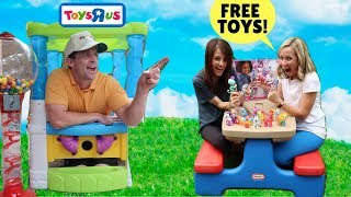Video Customers Return Tons of Toys to Pretend Store !!! MP3, 3GP, MP4, WEBM, AVI, FLV Juni 2018