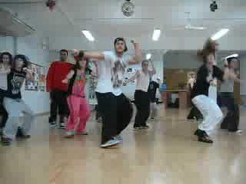 Мелодия Taio Cruz - She's like a star - смотрим танцы онлайн
