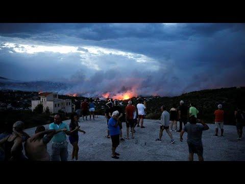 Mehr als 50 Tote durch Feuer bei Athen: