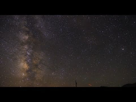 Beauty of the Night Sky – Milky Way Time Lapse