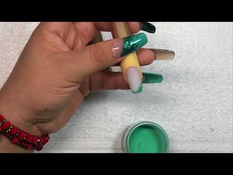 Decorados de uñas - Diseño Patrio en Uñas Cortas