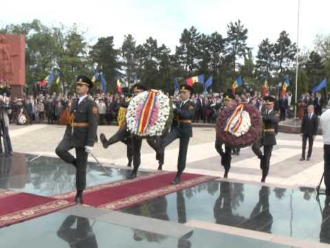 Președintele Nicolae Timofti a participat la manifestațiile dedicate Zilei Victoriei