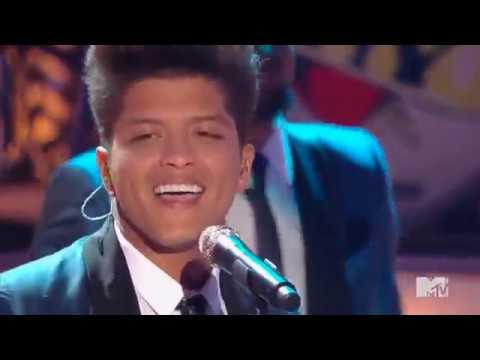 Bruno Mars - Valerie (Tribute to Amy Winehouse)