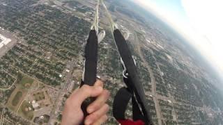Экстремал снял как потерял свой парашют во время полёта