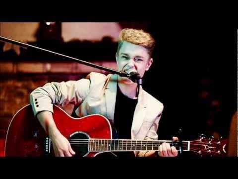 Tekst piosenki Damian Skoczyk - I'm Still Standing (cover) po polsku