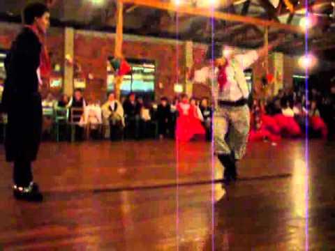 Juninho Branco Dançando Chula em Getulio Vargas 2º passo