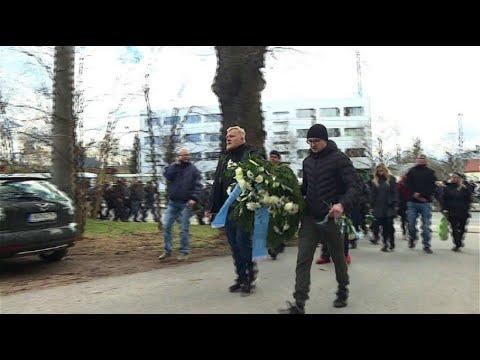 Trauerfeier für Neonazi und Hooligan Thomas H. in Chemnit ...