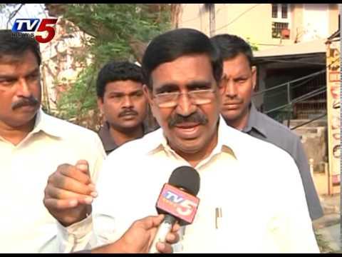 Minister Narayana Praises TV5 over Hudhud Cyclone Updates : TV5 News