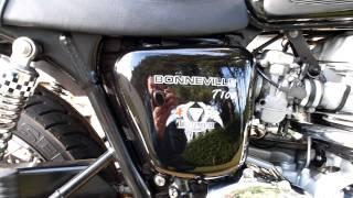 8. 2006 T100 Triumph Bonneville