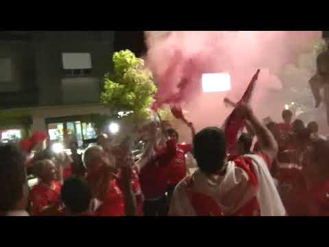 Festejos de Independiente Campeón - La Barra del Rojo - Independiente