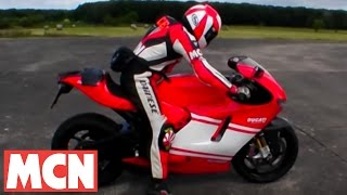 2. MCN Roadtest: Ducati Desmosedici RR top speed test