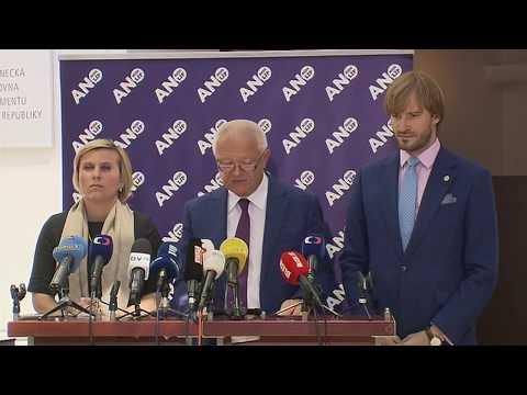 Sněmovna zablokovala projednání kauzy novičok, poslanci podpořili Zemana