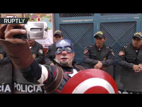 العرب اليوم - شاهد: احتفالات في شوارع بيرو