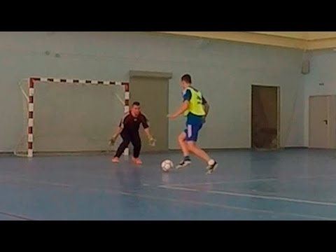 DORONIN на тренировке по футболу (вратарь, мини-футбол)