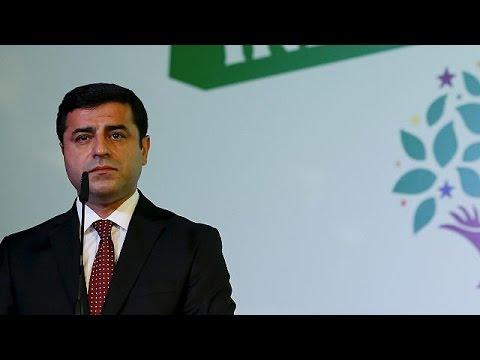 Τουρκία: Θύελλα αντιδράσεων για τις συλλήψεις της ηγεσίας και βουλευτών του HDP – world
