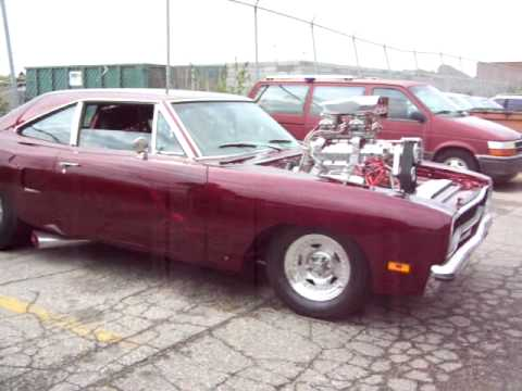 Check out this 1200 hp 1970 Plymouth Roadrunner's first start up!