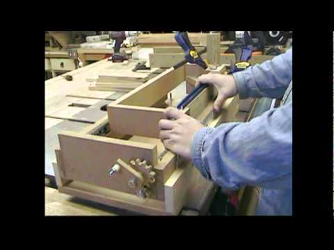woodworking - We make a micro-adjustable, multi-feature box joint machine that just might kill the dovetail forever! And then Stumpy tell the farmers where to stick it! Th...
