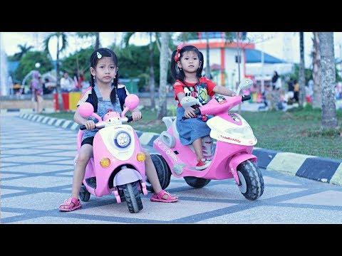 Hana Naik Sepeda Motor Listrik 🏍  Naik Motor Skuter Anak   Permainan Anak Motor Aki