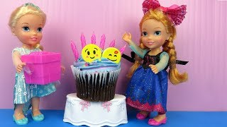 Video Anna's BIRTHDAY party ! Elsa and Anna toddlers party with guests - Pinata - Cake - Gifts - Games MP3, 3GP, MP4, WEBM, AVI, FLV Agustus 2018