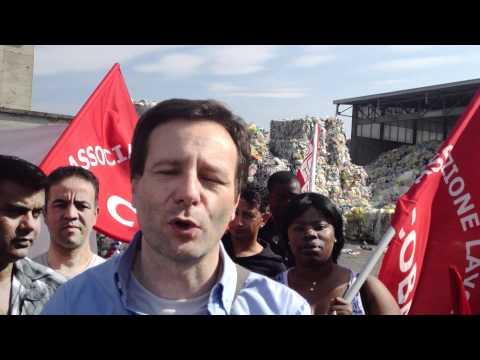 Protesta degli operai di una ditta plastica di Tradate