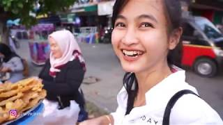 Video NGABUBURIT MANIS BARENG PEDAGANG KAKI LIMA /JAdWAB PERTANYAAN INSTAGRAM MP3, 3GP, MP4, WEBM, AVI, FLV Mei 2019