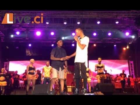 Download Concert Serges Beynaud / Ordinateur le danseur de Dj Arafat font le show HD Mp4 3GP Video and MP3
