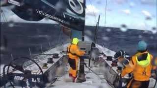 Download Video Speed, waves, crash - Yacht racing MP3 3GP MP4