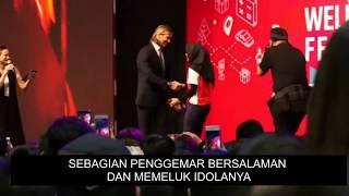 Video VIRAL : Salaman Dengan David Beckham, Muslimah Ini Memilih Menghindar MP3, 3GP, MP4, WEBM, AVI, FLV Oktober 2017