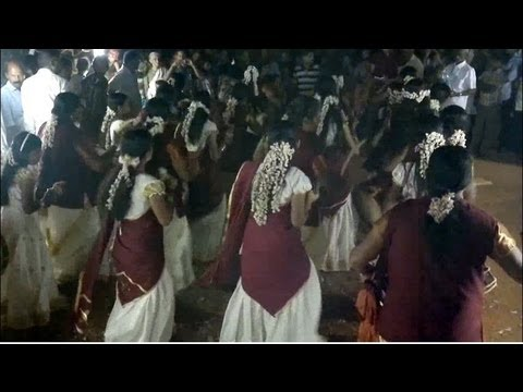 kerala girls - Beautiful village girls playing thiruvathira with drums- Very hot and veriety Art.