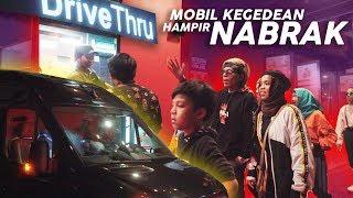 Video Pake Mobil Baru Drive Thru Ditraktir B.Atta, Mobil Kegedean Hampir Nabrak MP3, 3GP, MP4, WEBM, AVI, FLV Juli 2019