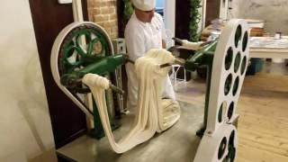 Video Making Saltwater Taffy at La King's Confectionery on the Historic Strand in Galveston, Texas MP3, 3GP, MP4, WEBM, AVI, FLV Februari 2019