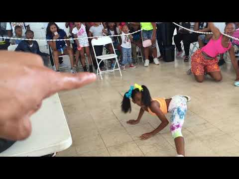 ONE OF MOST ENERGETIC LIL GIRL DANCE BATTLE EVER | OfficialTSquadTV | Tommy The Clown