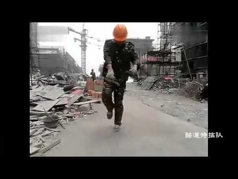 沒想到工地的工人竟然是世界鬼步舞的超級舞者!?