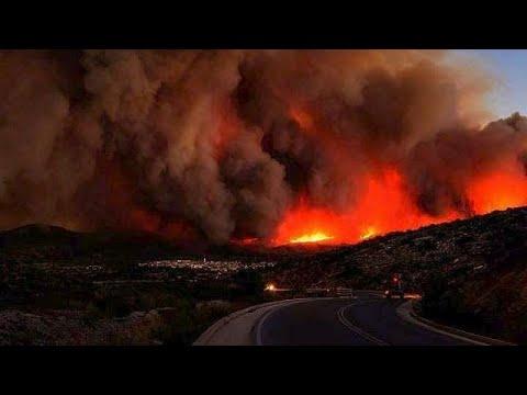 Ζάκυνθος: Μάχη με τις φλόγες στις Μαριές