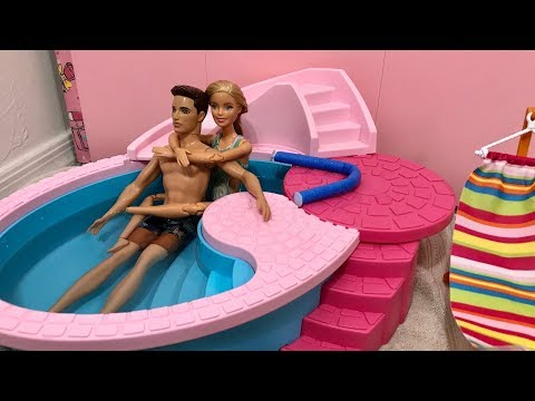 Barbie and Ken Morning Routine! Pool! Swim!