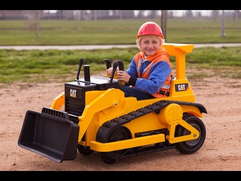 Kid Trax CAT Bulldozer - Kids Tractor (Unboxing and Riding)!