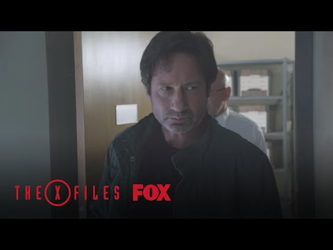 The X-Files 1.01 (Clip 'Masquerade')