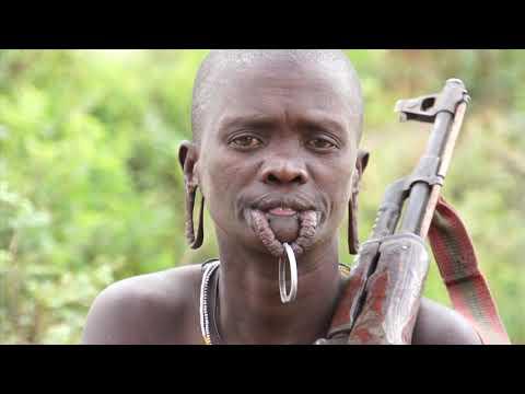 LES PEUPLES DE L'OMO - ETHIOPIE (VERSION COMPLETE 52') Muammer YILMAZ & Philippe FREY