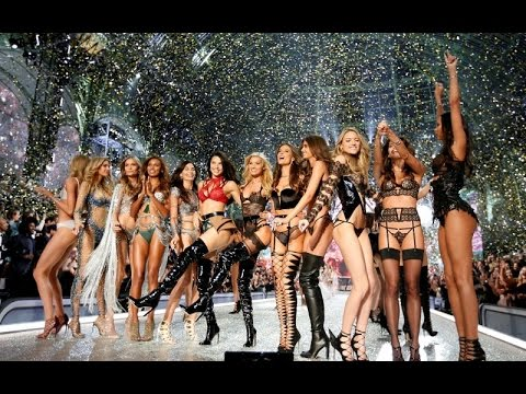 Video The Chainsmokers - Paris (The Victoria's Secret Fashion Show 2016 Live In Paris) download in MP3, 3GP, MP4, WEBM, AVI, FLV January 2017