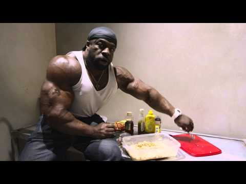 Cooking A High Calorie Meal w Kali Muscle