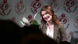 Jewel Staite at Rose City Comic Con on September 21, 2013. To see my edited video coverage of the whole #RCCC weekend, go here: https://www.youtube.com/watch?v=t7i1pyASPosYou are watching my secondary channel, where I upload my unedited footage. For edited videos, see my main channel: http://www.youtube.com/AdamTheAlien --My website: http://www.AdamTheAlien.com
