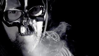 Sido - Maskerade (feat. Genetikk & Marsimoto) lyrics (English translation). | [Verse 1: Karuzo]:, Mein Lifestyle Favela, die Sneakers Margiela,, Mein Team unbesiegbar, für uns...